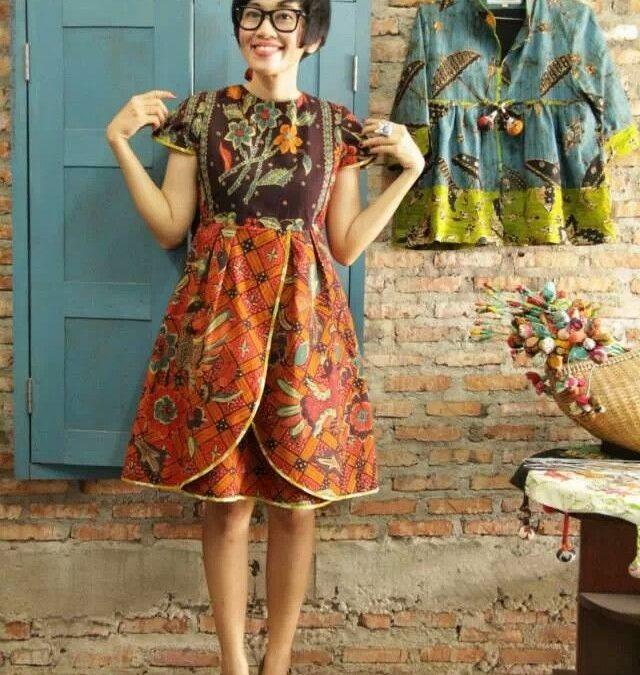 Lucu Sekaligus Elegan dengan Model Baju Batik Wanita Terkini