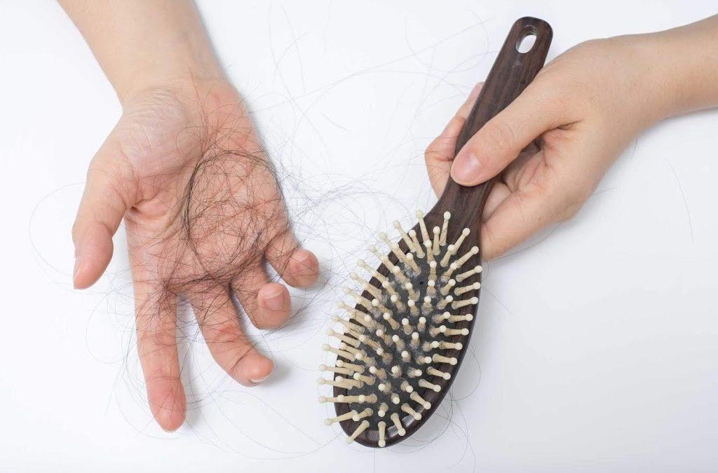 Jangan Biarkan Rambut Rontok  Terus, Inilah 5 Tips Menghilangkan Rambut Rontok
